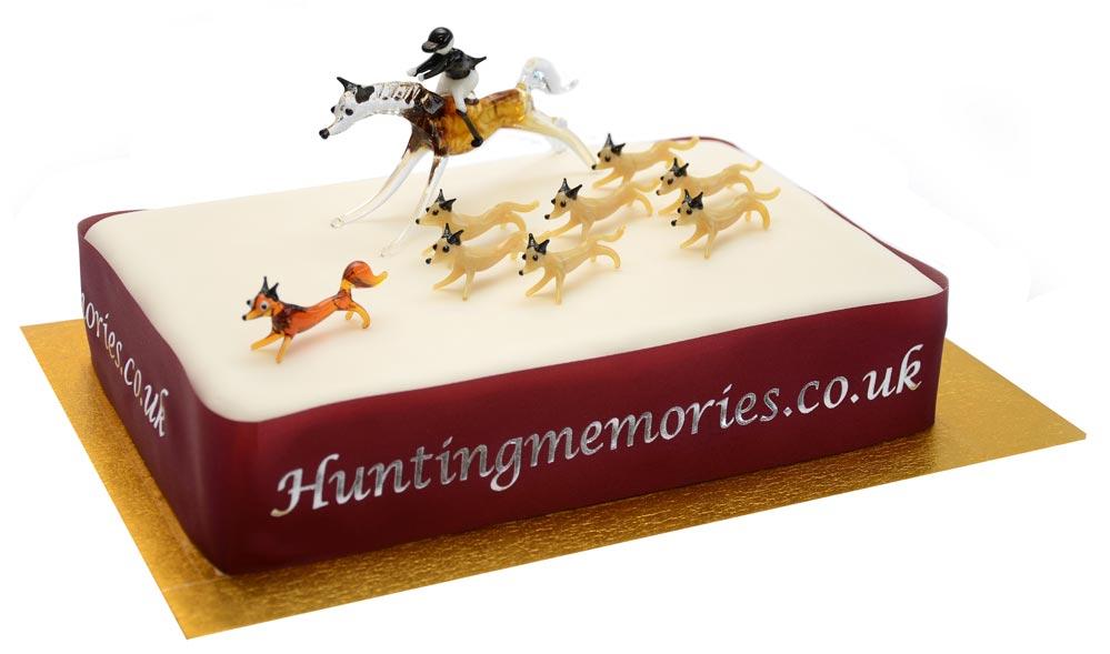 Hunting Cake Decorations Uk : Hunting Memories - Glass fox hunting set Birthday cake ...