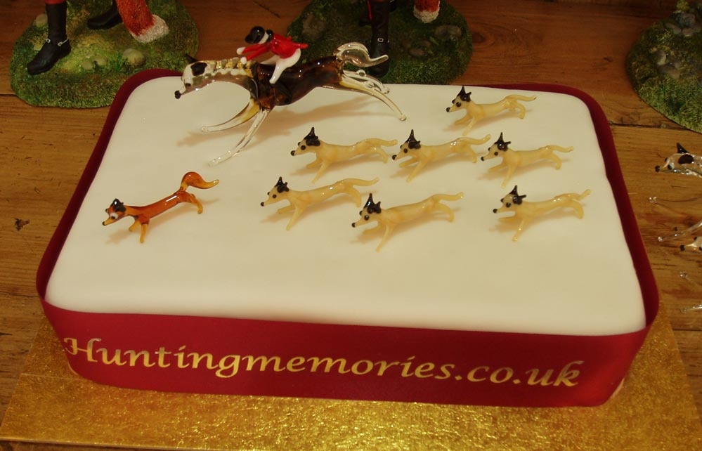 A Hunting themed cake topper set
